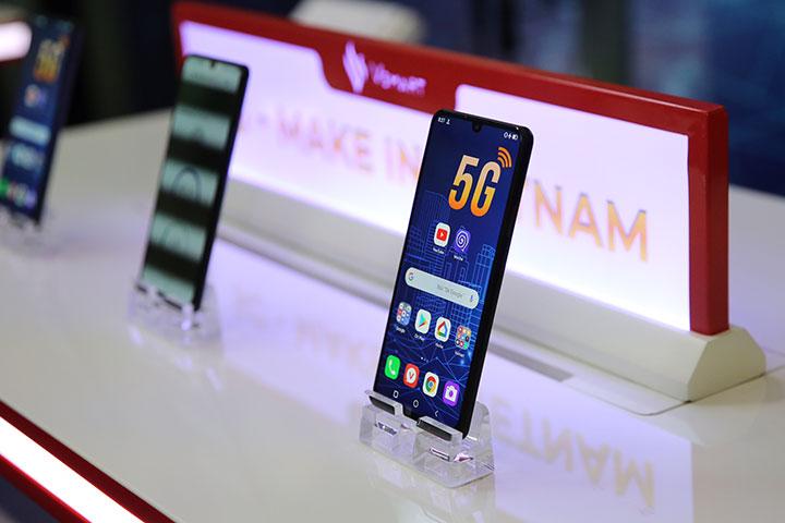 Vinsmart giới thiệu smartphone 5G đầu tiên của Việt Nam