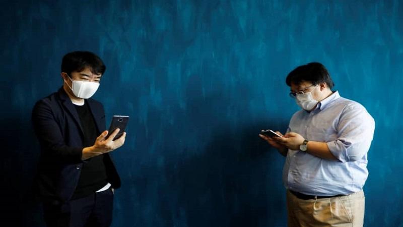 Nhật Bản giới thiệu khẩu trang thông minh kết nối Internet, truyền tin nhắn và dịch thuật giá rẻ