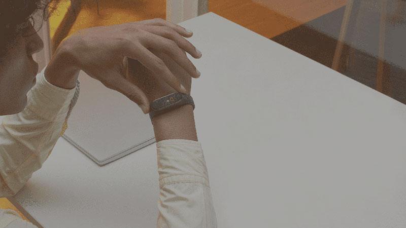 Vòng đeo tay thông minh Xiaomi Mi Band 4 - Hàng nhập khẩu - 11